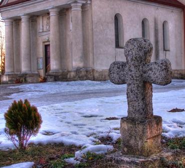 Horyniec krzyż przy kościele