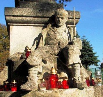 pomnik poległych horyniec