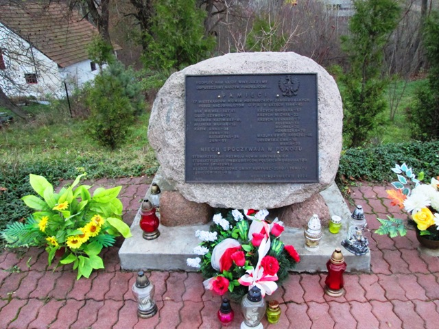 pomnik nowiny